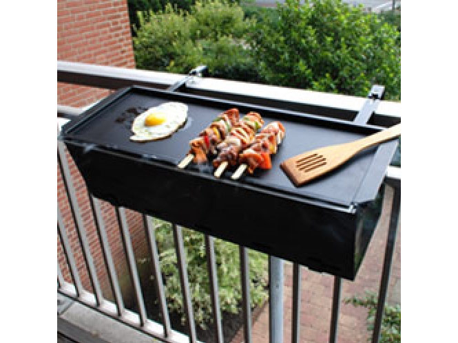 barbecue de balcon barbecue grill. Black Bedroom Furniture Sets. Home Design Ideas