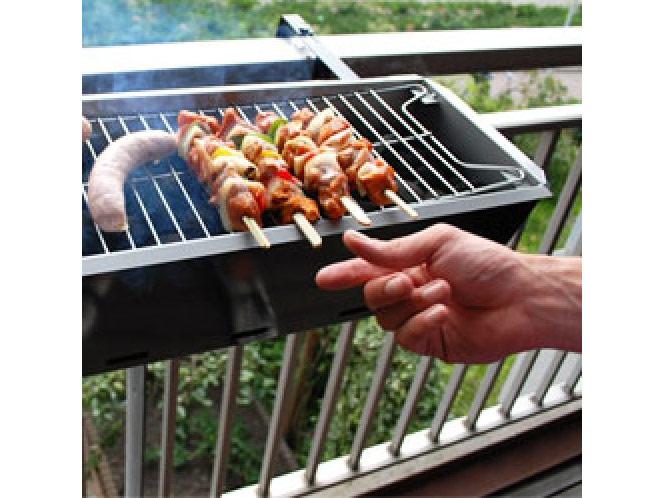 barbecue de balcon barbecue grill. Black Bedroom Furniture Sets. Home Design Ideas
